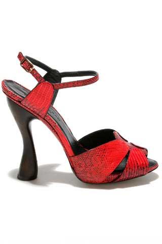 حذائي الاحمر 24.jpg