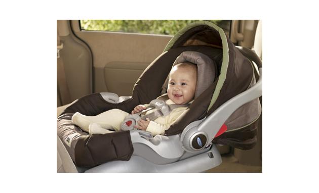 وين تحطين طفلك بالسيارة , و ايش افضل مكان أمن له بالسيارة hayahcc_1366617555_473.jpg