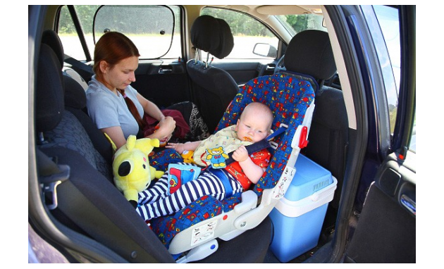 هل تستخدمين كرسي لطفلك بالسيارة ؟ اربع اسباب مهمة تخليك تستخدمينه hayahcc_1366617773_956.jpg