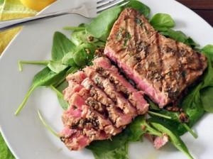 طريقة عمل شرائح لحم التونة روعة hayahcc_1367915741_684.jpg