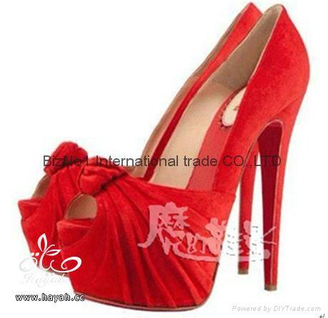 احذية نسائية راقية hayahcc_1369940326_645.jpg
