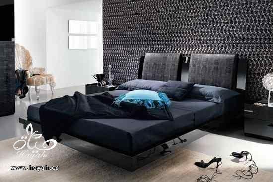 غرف نوم راقية 13719582-decor-du-plafond-dans-la-chambre-a-coucher-moderne.jpg