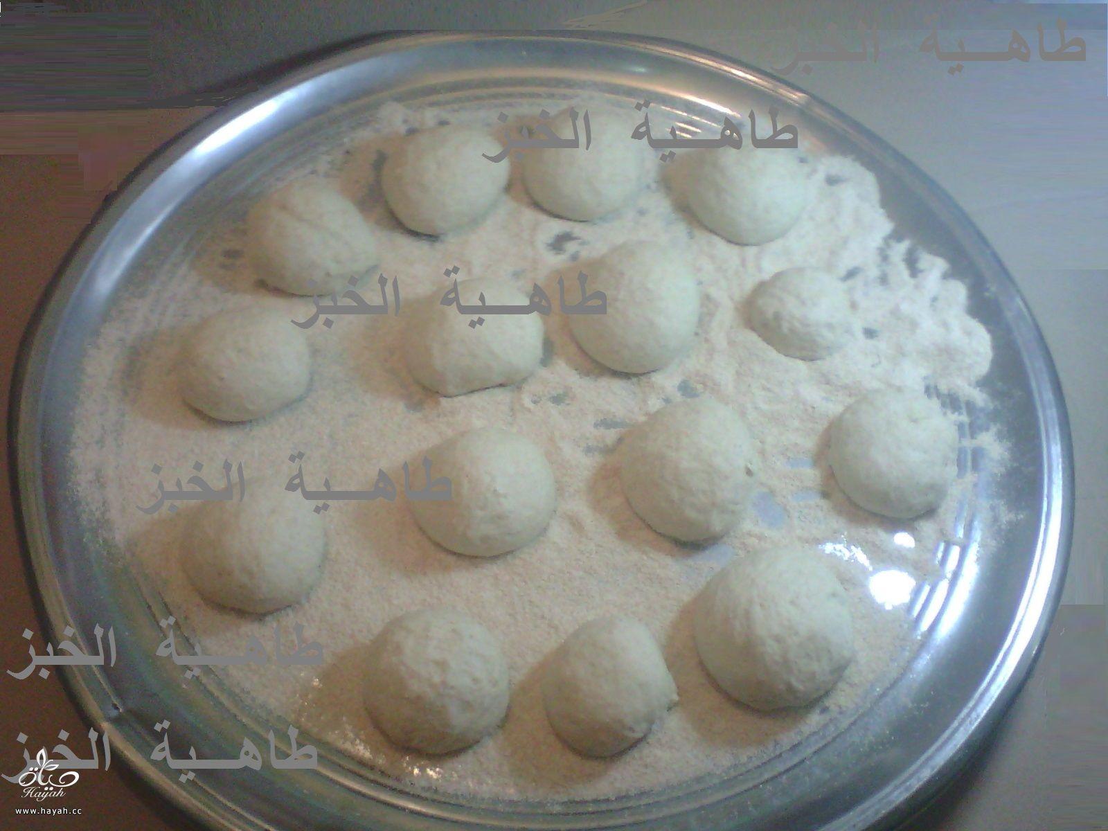 طريقة عمل الخبز المصرى  بالخبازة الكهربائية hayahcc_1394407389_862.jpg