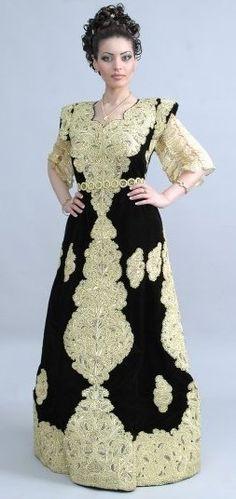 ملابس تقليدية جزائرية hayahcc_1419942175_459.jpg