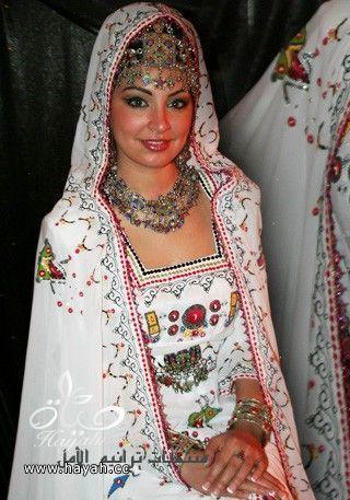 ملابس تقليدية جزائرية hayahcc_1419942176_601.jpg
