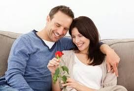 20 طريقة لتجعل زوجتك أكثر تعلقا بك hayahcc_1420652194_239.jpg