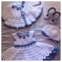أجمل ملابس كروشيه للبنوتات في الشتاء hayahcc_1425839356_174.jpg
