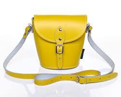 الأصفر في الأحذية و الشنط hayahcc_1426170084_647.jpg