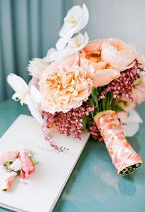 أحدث باقات الورود لكِ كعروس hayahcc_1426577823_239.jpg