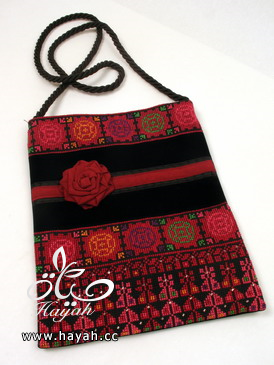 حقائب تطريز بتصاميم مختلفة hayahcc_1428744974_712.png