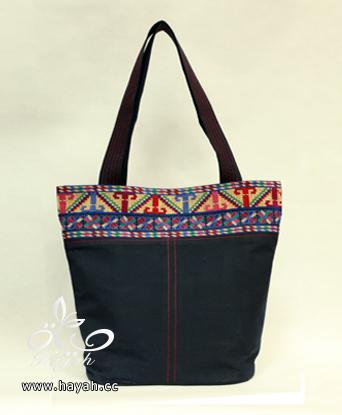 حقائب تطريز بتصاميم مختلفة hayahcc_1428744974_715.png