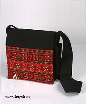 حقائب تطريز بتصاميم مختلفة hayahcc_1428744975_275.png