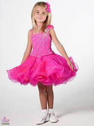صغيرات بفساتين ملكية hayahcc_1429401780_621.jpg
