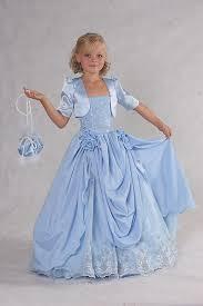 صغيرات بفساتين ملكية hayahcc_1429401780_889.jpg