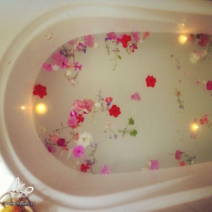 لتغيير أجواء حمامك عليك بالورود hayahcc_1430559237_432.jpg