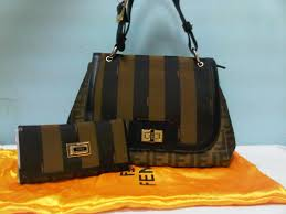 حقائب مخططة hayahcc_1430697446_555.jpg