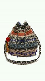 أجمل الحقائب البناتية hayahcc_1432545004_234.jpg