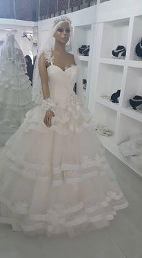 أجمل فساتين الزفاف بموديلات عصرية hayahcc_1439275999_605.jpg