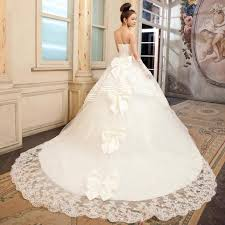 كيف تختارين فستان زفافك؟ hayahcc_1442015411_617.jpg