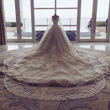 أجمل بدل الزفاف بذيل طويل hayahcc_1442077675_584.jpg
