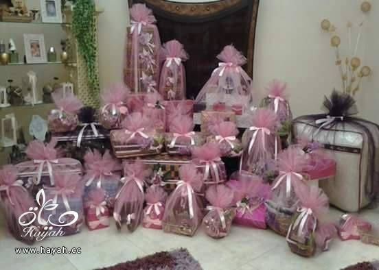طرق لتزيين حقائب جهاز العروس hayahcc_1442127398_771.jpg