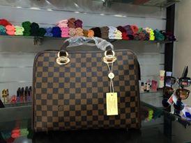 أفخم الحقائب النسائية بألوان ترابية hayahcc_1442733038_128.jpg