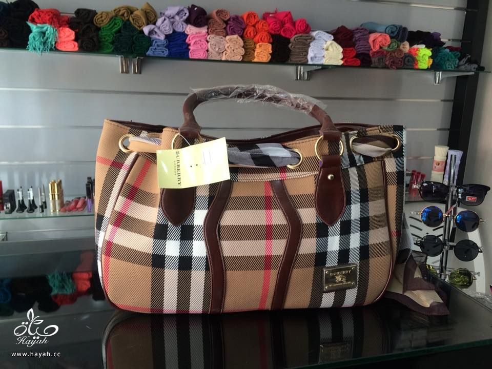أفخم الحقائب النسائية بألوان ترابية hayahcc_1442733039_822.jpg