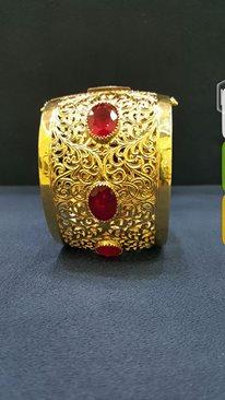 أساور من الذهب بأشكال تحفة hayahcc_1442735055_447.jpg