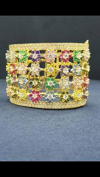 أساور من الذهب بأشكال تحفة hayahcc_1442735055_493.jpg