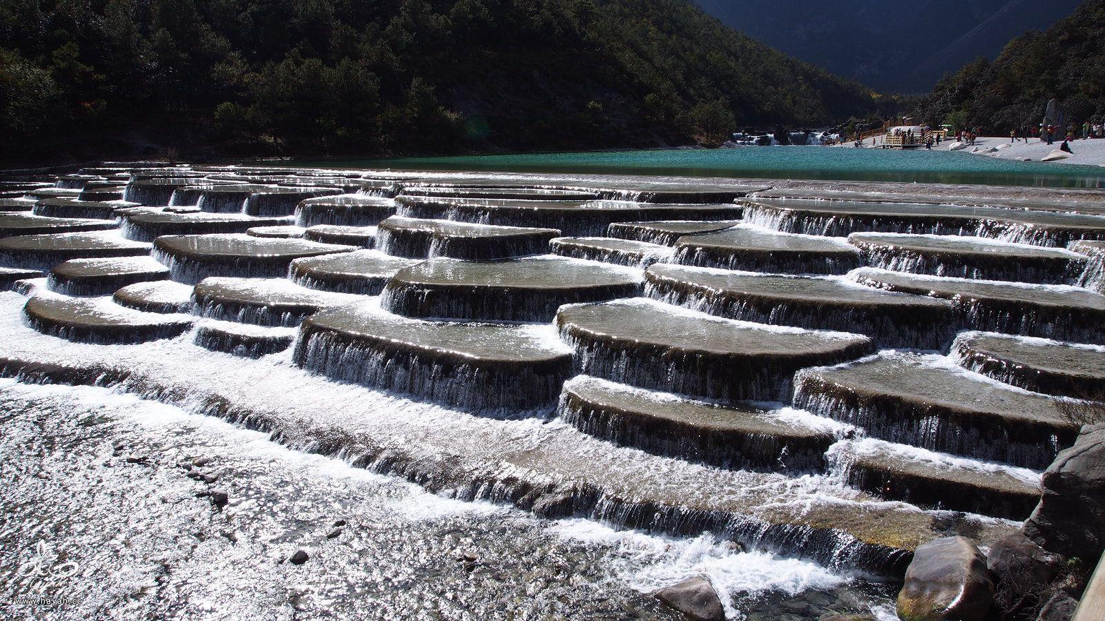 وادي القمر الأزرق في الصين hayahcc_1442877131_405.jpg