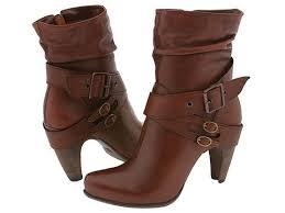 أحذية شتوية نسائية جميلة hayahcc_1443869521_299.jpg