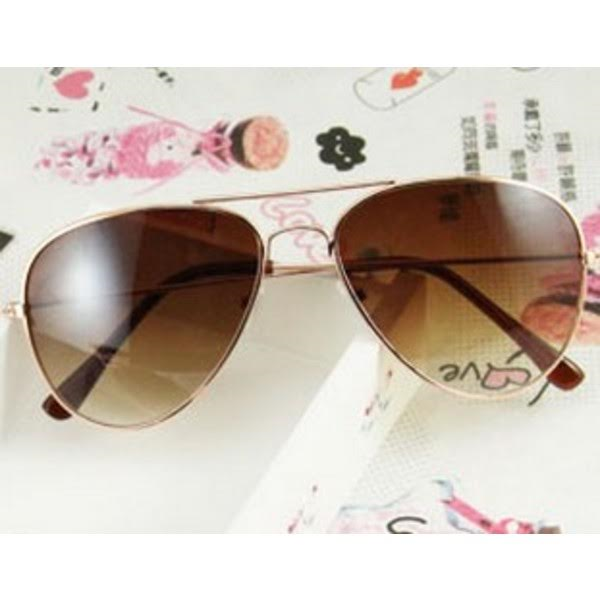 النظارات الشمسية بالزجاج الملون بات بإمكانك الحصول عليها hayahcc_1448466409_429.jpg