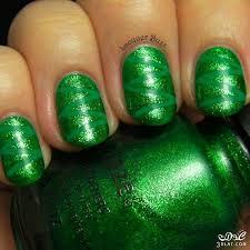 طلاء أظافر باللون الأخضر الطبيعي hayahcc_1449957213_570.jpg