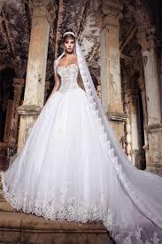فساتين عروس طويلة hayahcc_1450636218_577.jpg