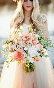 عروس بألوان مختلفة hayahcc_1463308237_226.jpg