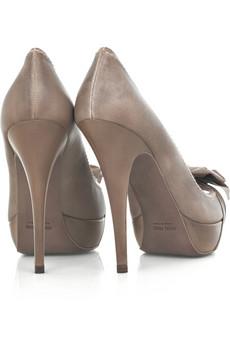 احذية وشنط روووووووووووووووعة 6561611343140024.jpg