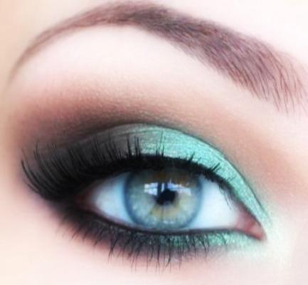 422087f352abf مكياج عيون اخضر،اجمل ميك اب عيون للصبايا بتاريخ 7-6-2012 المشاهدات   2840