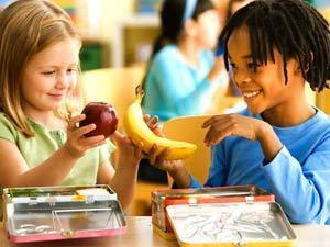 تناول الاطفال لنظام غذائي بالفاكهة
